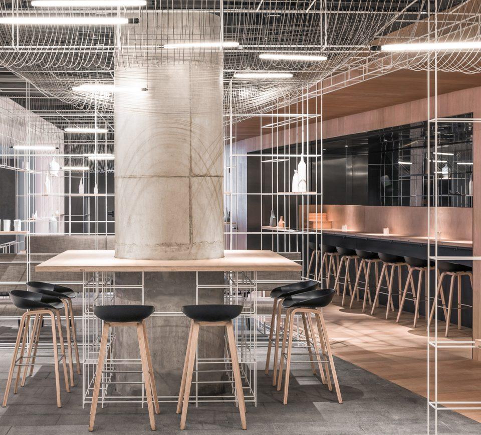 面积:152 平方米   设计范围:店面设计,室内设计,家具设计,灯光设计图片