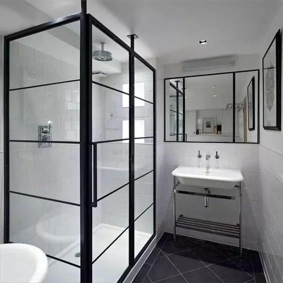 做成了一个玻璃房样式,很有空间感,立体感,达到了很好的干湿分明图片