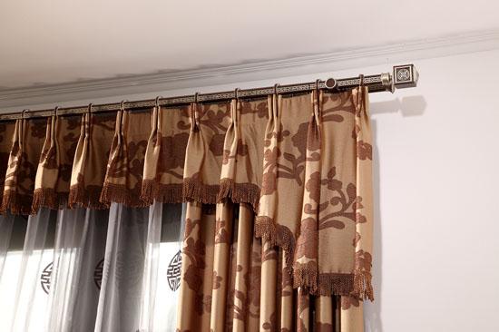 罗马杆窗帘效果图