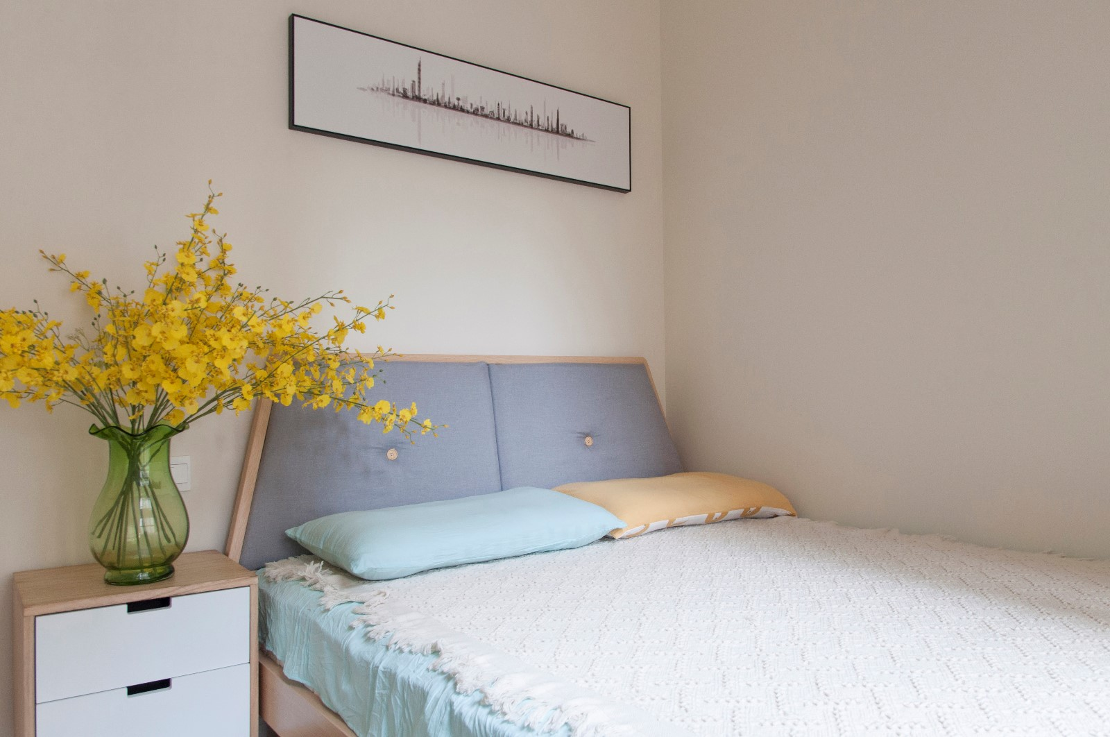 北欧卧室背景墙实景图