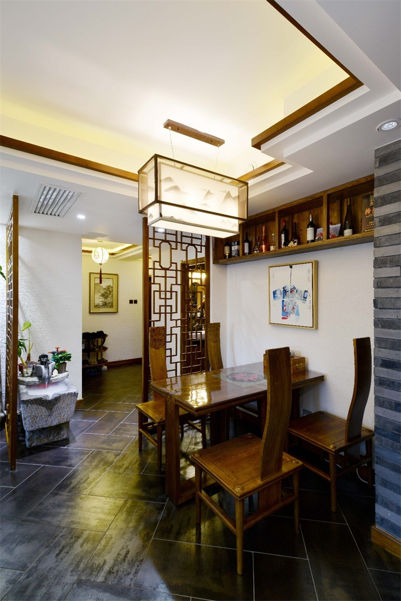 中式餐厅酒柜实景图
