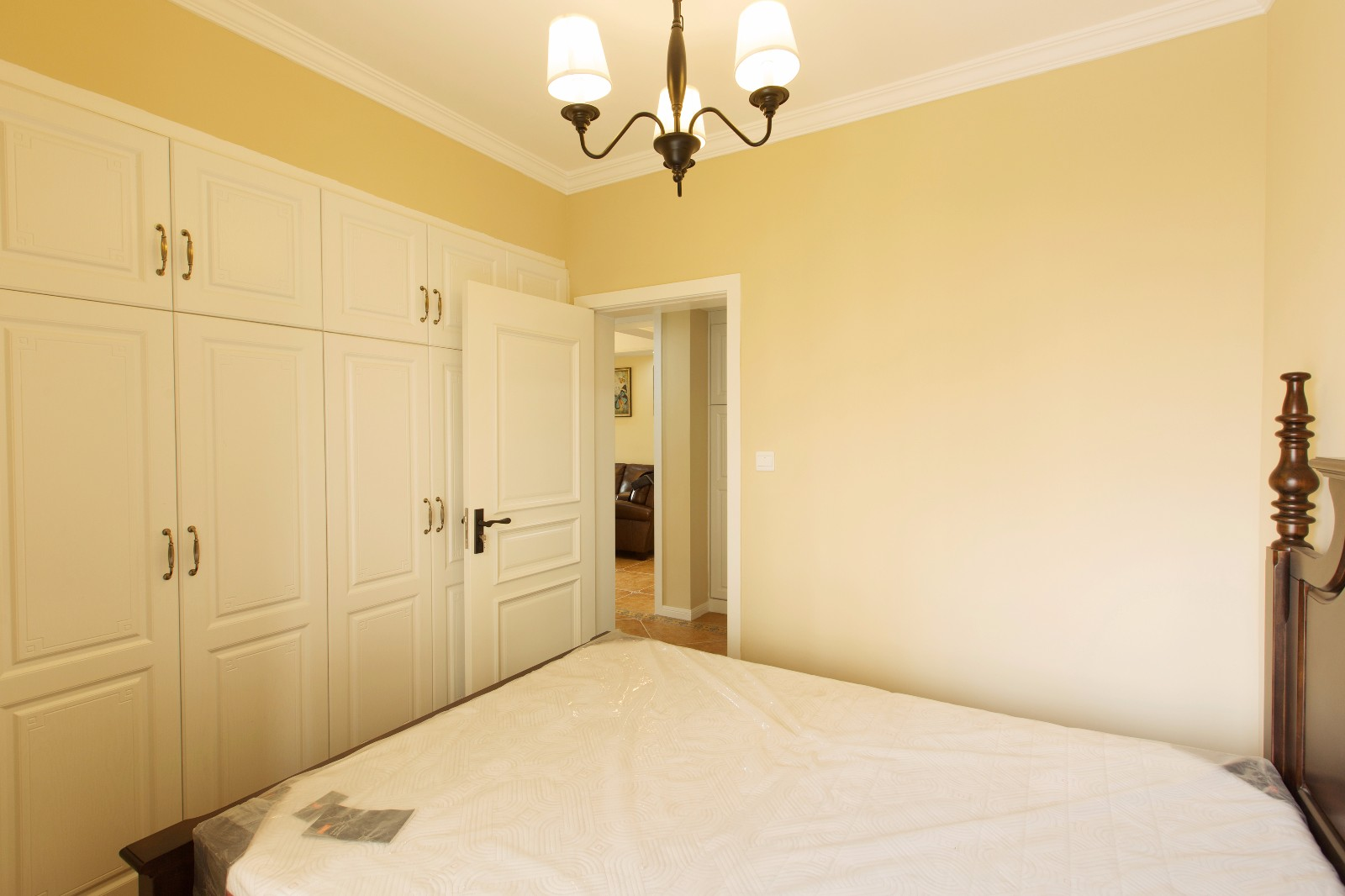 美式卧室衣柜实景图