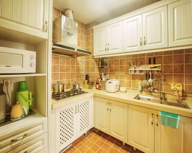 地中海厨房背景墙实景图