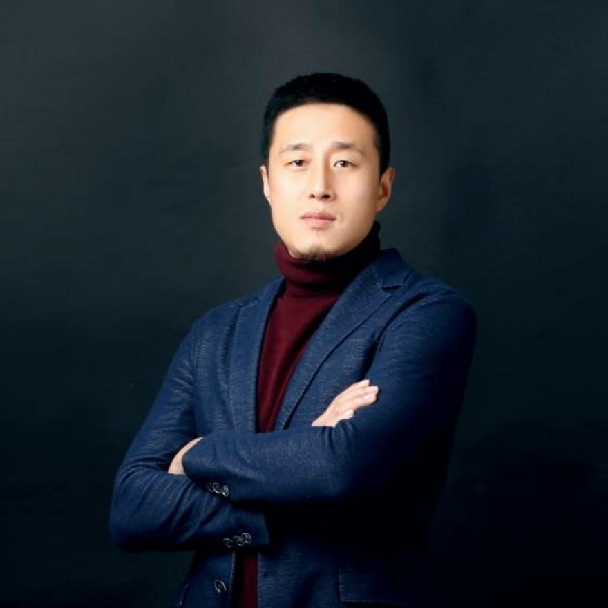 张泽成设计师
