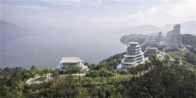MAD建筑事务所设计的黄山太平湖公寓已完工,建筑与环境相呼应