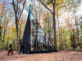 纽约州KLEIN A45小屋,森林中的水晶