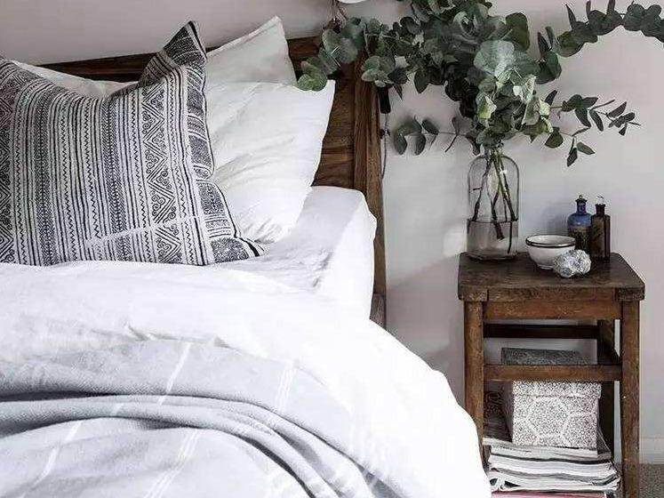 家里千万别买床头柜,不信你看!