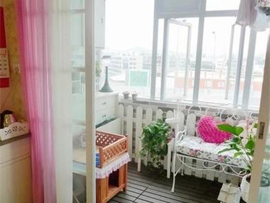 现代阳台飘窗效果图